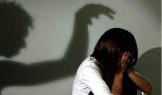 Kiểm tra điện thoại con gái 12 tuổi, mẹ đau đớn phát hiện ra việc tày trời