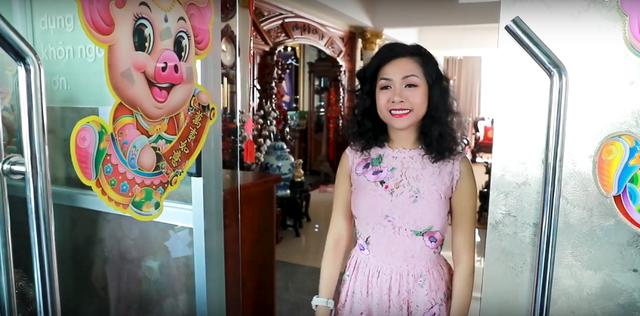 Bất ngờ với cuộc sống đời tư ít biết của cô gái tỷ đô Trần Uyên Phương