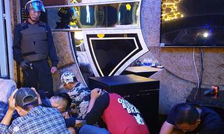 Cảnh sát đột kích quán karaoke, hàng chục người dương tính với ma tuý