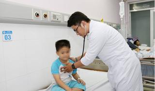 Bé trai 8 tuổi suýt tắc phổi tử vong vì nuốt phải đồ chơi trẻ nào cũng say mê