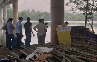 Công an vào cuộc điều tra thi thể nổi trên sông Hương