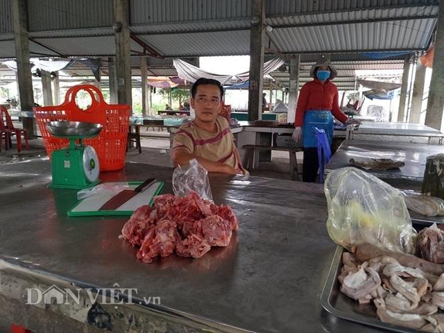 Về vùng dịch tả lợn châu Phi: Dân lo lắng, thịt lợn ở chợ ế ẩm