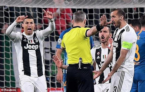 C.Ronaldo có lần thứ 8 trong sự nghiệp lập hat-trick tại đấu trường Champions League