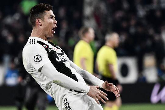 C.Ronaldo tỏ ra hết sức tự hào khi lập cú hat trick vào lưới Atletico Madrid