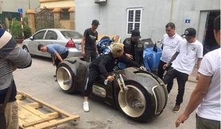 Clip: Cận cảnh siêu mô tô 2,7 tỷ lăn bánh lần đầu tiên tại Việt Nam