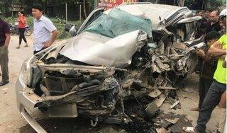 Thanh Hóa: Va chạm với xe khách, tài xế ô tô 7 chỗ tử vong trong cabin
