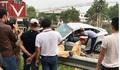 Hiện trường vụ tàu hoả tông ô tô khiến 5 người thương vong ở Hải Dương