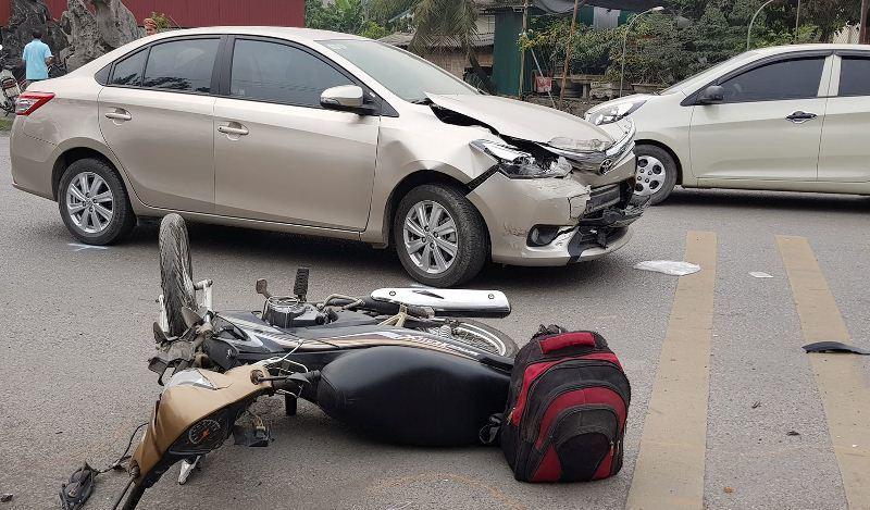 Hải Dương: Xe bán tải gây tai nạn liên hoàn, 2 người bị thương2