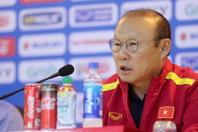 HLV Park Hang Seo bênh vực Đức Chinh, chê V.League
