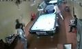 Yên Bái: Vay tiền quá hạn không trả, thanh niên bị chém gần đứt tay tại quán bi-a