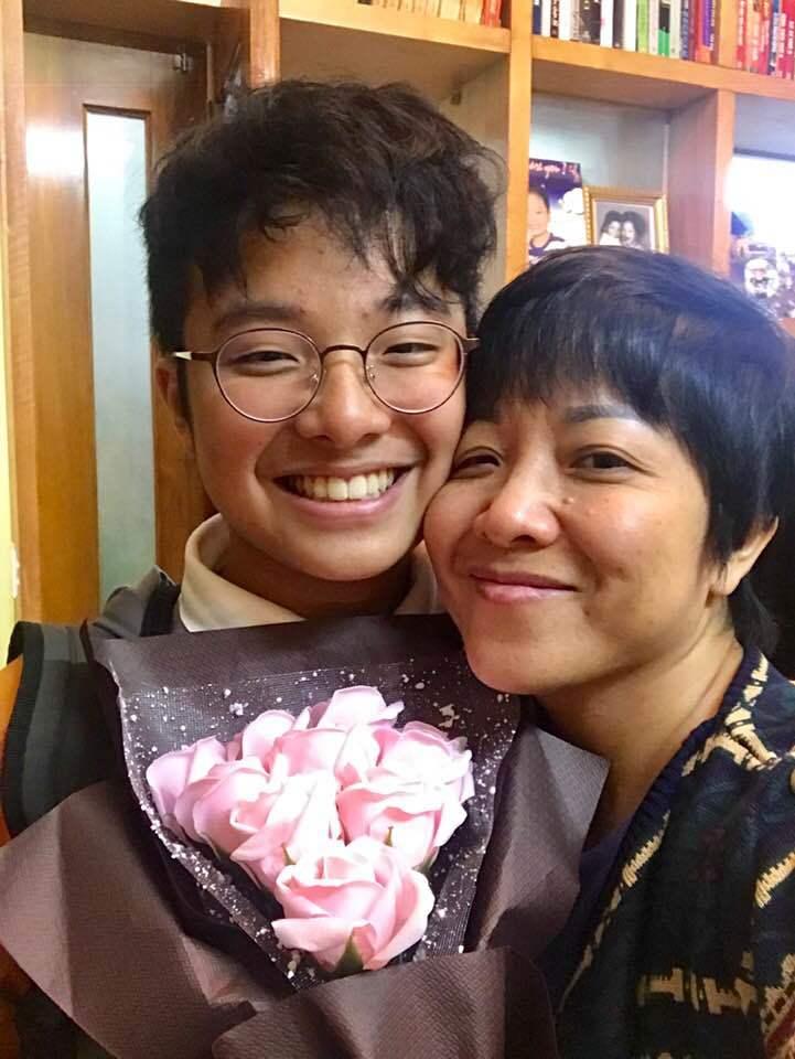 MC Thảo Vân ứa nước mắt khi con trai viết văn về chuyện mẹ đơn thân