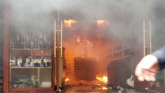 Chùm ảnh vụ cháy khách sạn kinh hoàng ở Hải Phòng khiến 1 nữ nhân viên tử vong