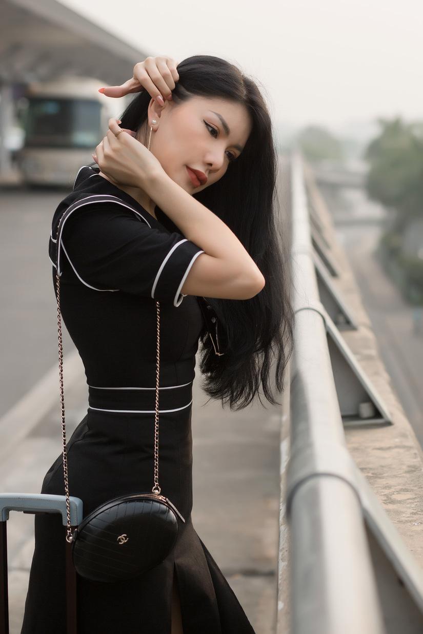 'Hoa hậu hàng không' Loan Vương sang Hồng Kông dự Liên hoan phim