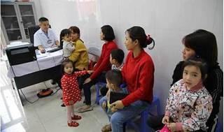 Bất thường hàng trăm trẻ nhiễm sán lợn