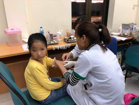 Danh sách cán bộ bị đình chỉ sau vụ hàng loạt học sinh nhiễm sán lợn ở Bắc Ninh