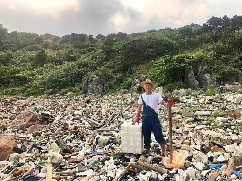 Thử thách dọn rác tại đảo Sơn Trà: Dọn dẹp sạch sẽ 'biển rác' không hề khó
