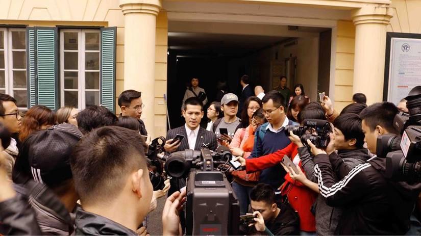 Đạo diễn Việt Tú thắng kiện chúa đảo Tuần Châu