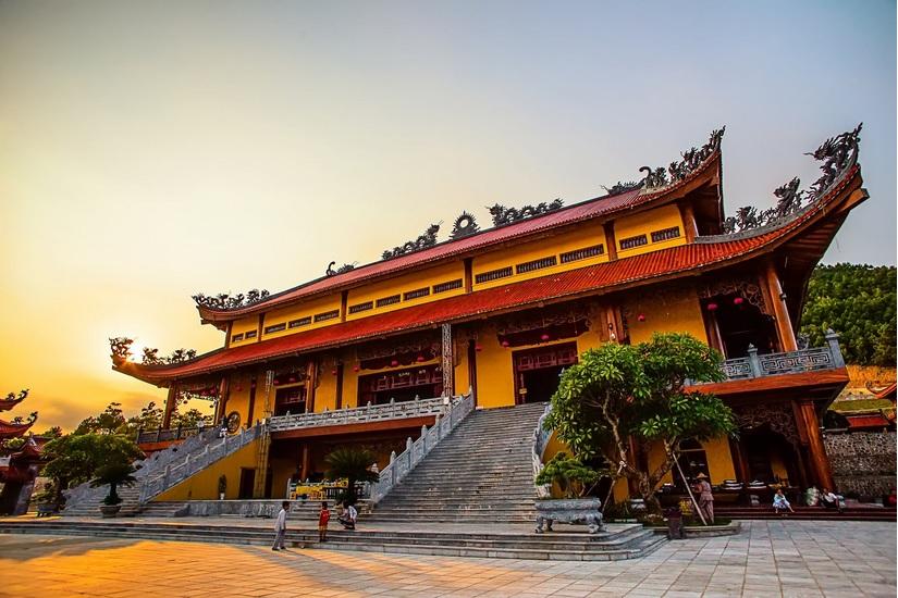 Bộ VH-TT&DL chỉ đạo nóng làm rõ vấn đề gọi vong, báo án, giải nghiệp tại chùa Ba Vàng
