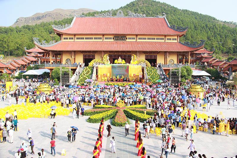 Giáo hội PGVN yêu cầu chấn chỉnh việc thuyết giảng và kỉ luật các cá nhân tại chùa Ba Vàng