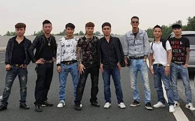 Xử phạt người đỗ xe trên cao tốc Hà Nội – Hải Phòng để chụp ảnh