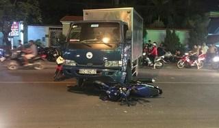 Tin tức TNGT mới nhất ngày 22/3/2019: Va chạm với ô tô chở rác, nam thanh niên tử vong