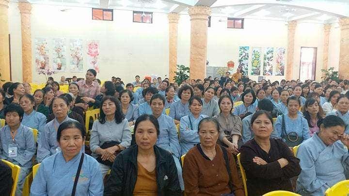 Phật tử chùa Ba Vàng thi nhau kể chuyện 'thần kỳ', 'bênh' bà Phạm Thị Yến