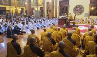 Thanh quy tu học chùa Ba Vàng: Mỗi ngày ăn một bữa, nửa tháng tắm một lần