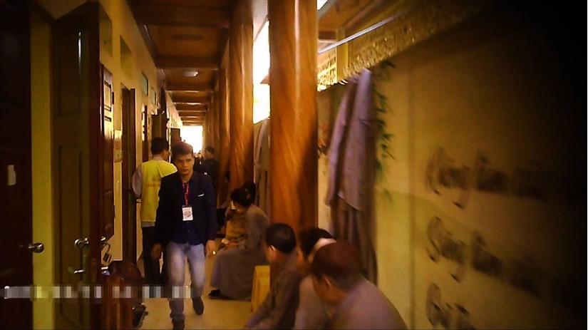 Gọi vong ở chùa Ba Vàng