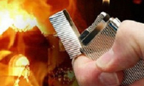 Hải Phòng: Xin tiền trả nợ không được, nam thanh niên đổ xăng định đốt nhà