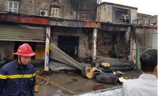 Hỏa hoạn thiêu rụi nhiều nhà dân ở Hải Phòng