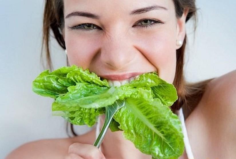Vì sao nói ăn rau sống bẩn dễ nhiễm sán hơn thịt bẩn?