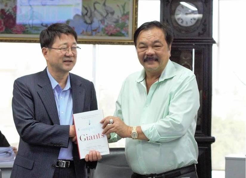 Cựu CEO Samsung đến trò chuyện và làm việc với Tân Hiệp Phát