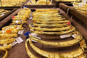 Giá vàng hôm nay 14/10: Tuần mới, giá vàng tiếp tục lao dốc
