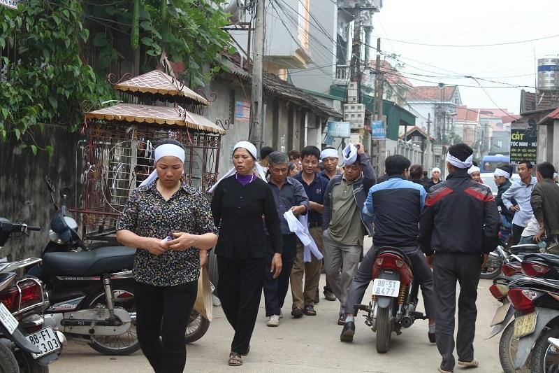 Đại tang ở làng Trung Nguyên, nhà 7 nạn nhân chỉ cách nhau vài chục mét.