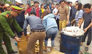 Nghi ngờ nhà bếp sử dụng thực phẩm bẩn, gần 1000 công nhân bỏ bữa phản đối