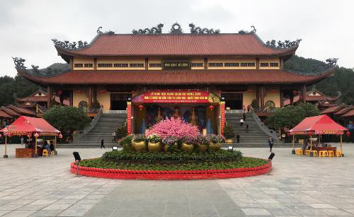 Không còn cảnh đông đúc ở chùa Ba Vàng sau ồn ào 'thỉnh vong'