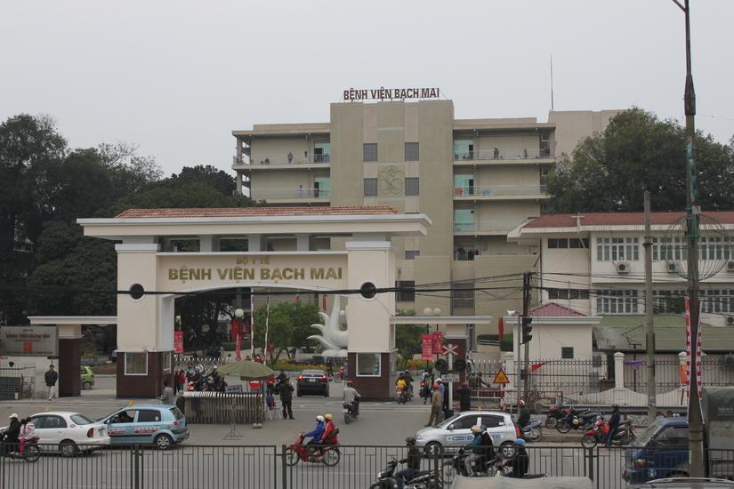 Bé trai sinh non tử vong gần 2 tháng ở Bệnh viện Bạch Mai vẫn chưa tìm được người thân