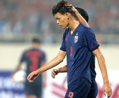 Tiền đạo Supachai nhận án phạt nặng từ Liên đoàn bóng đá châu Á