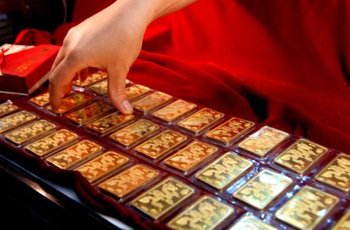 Bảng giá vàng hôm nay 27/6: Vàng trong nước bất ngờ giảm