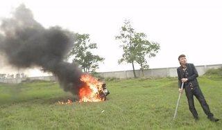 Công an Bắc Ninh vào cuộc xác minh vụ Khá 'bảnh' đốt xe máy đổi xe điện