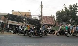 Xe tải mất lái tông 5 nhà dân, 2 người chết tại chỗ