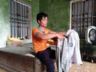 Nữ sinh bị lột đồ, đánh hội đồng ở Hưng Yên: Liên tục hoảng loạn, ôm đầu la hét