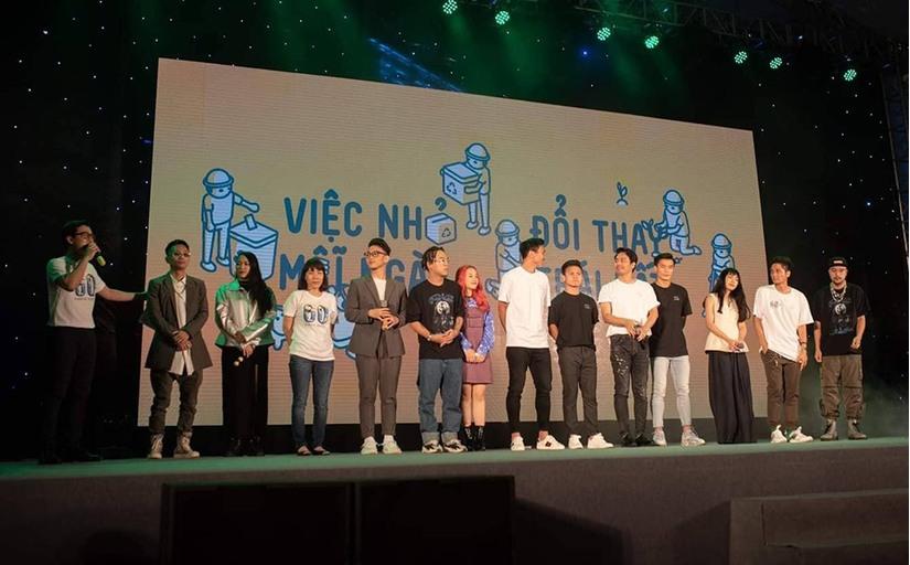 Nhật Lê sánh vai Quang Hải đi 'tắt đèn' cùng Bùi Tiến Dũng, Văn Hậu