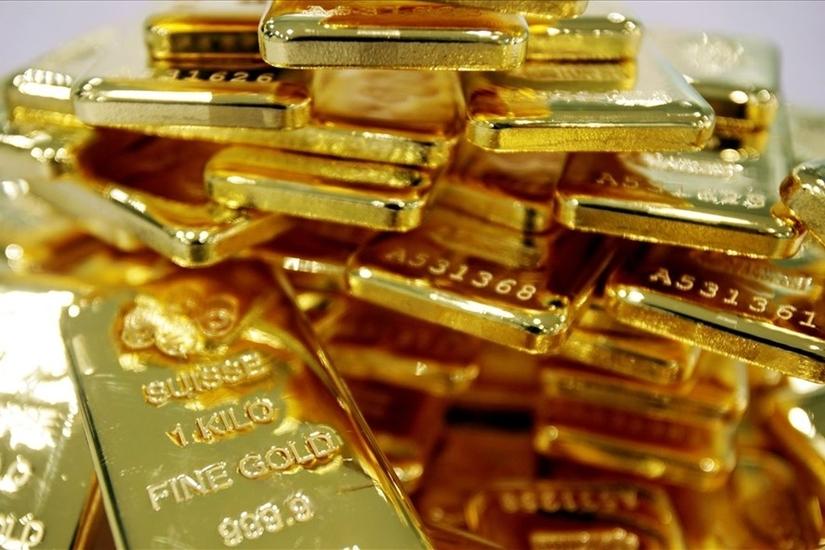 Giá vàng hôm nay 7/6: Giá vàng 9999 lên đỉnh, nhà đầu tư 'ôm' vàng