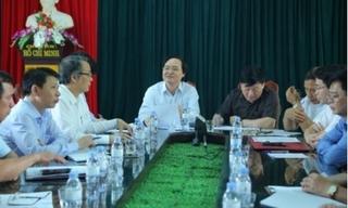 Xem xét cách chức Ban giám hiệu trường Phù Ủng vì nữ sinh bị đánh hội đồng