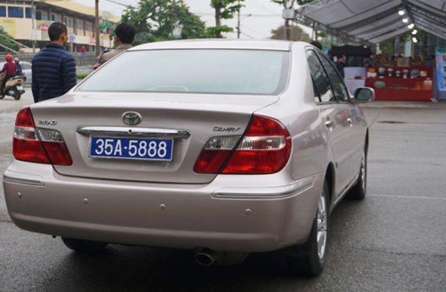 Vụ xe công đeo 2 biển số tại Ninh Bình: Lý giải bất ngờ từ cơ quan quản lý