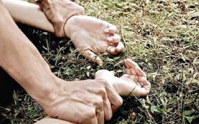 Nhóm trộm chó khống chế hiếp dâm 2 thiếu nữ trong rừng vắng