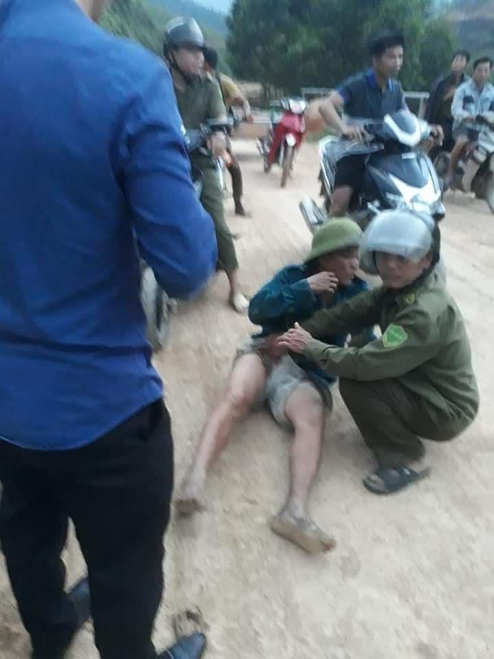 Hà Tĩnh: Một trưởng thôn bất ngờ bị chặn đường, bắn trọng thương