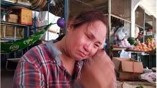 Thiếu niên đâm chết người vì bị nhắc vượt đèn đỏ: Nước mắt nghẹn ngào của người mẹ mù lòa