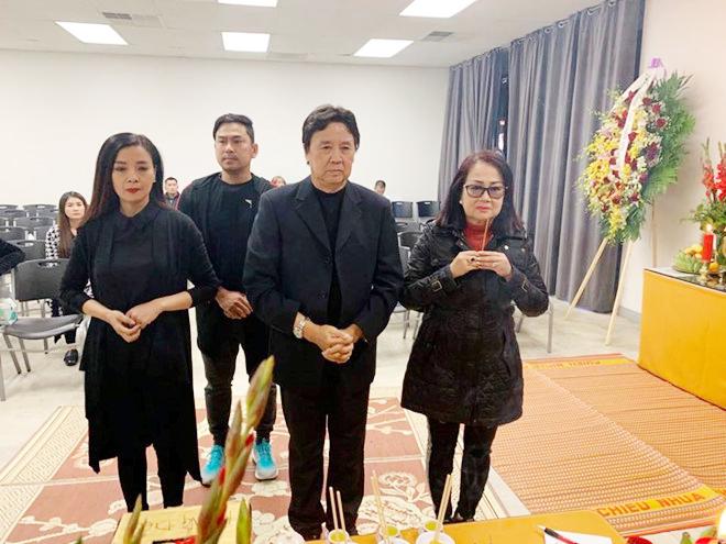 Gần 500 người viếng cố nghệ sĩ Anh Vũ tại Mỹ